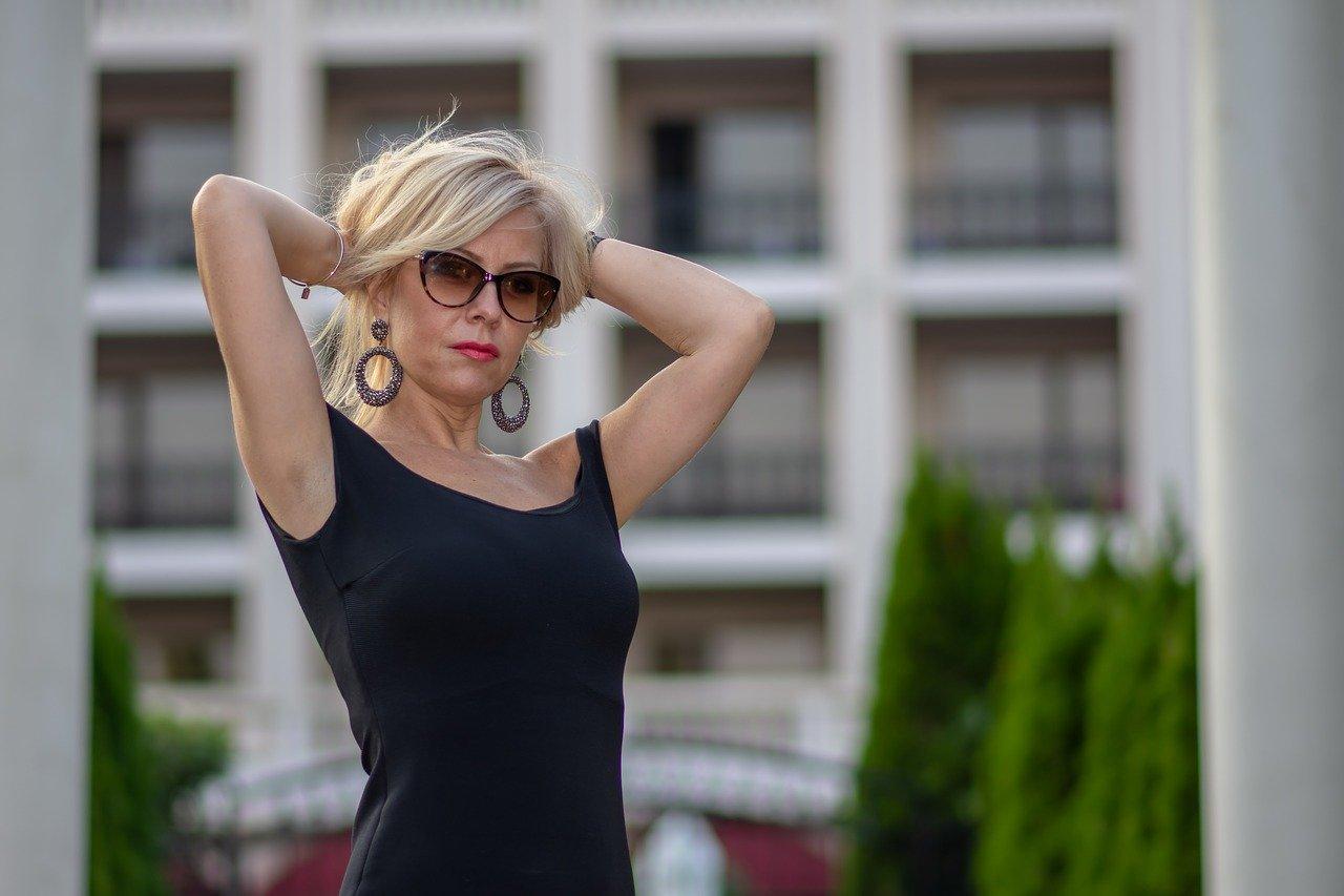 Consulenza vampate e sudorazioni menopausa